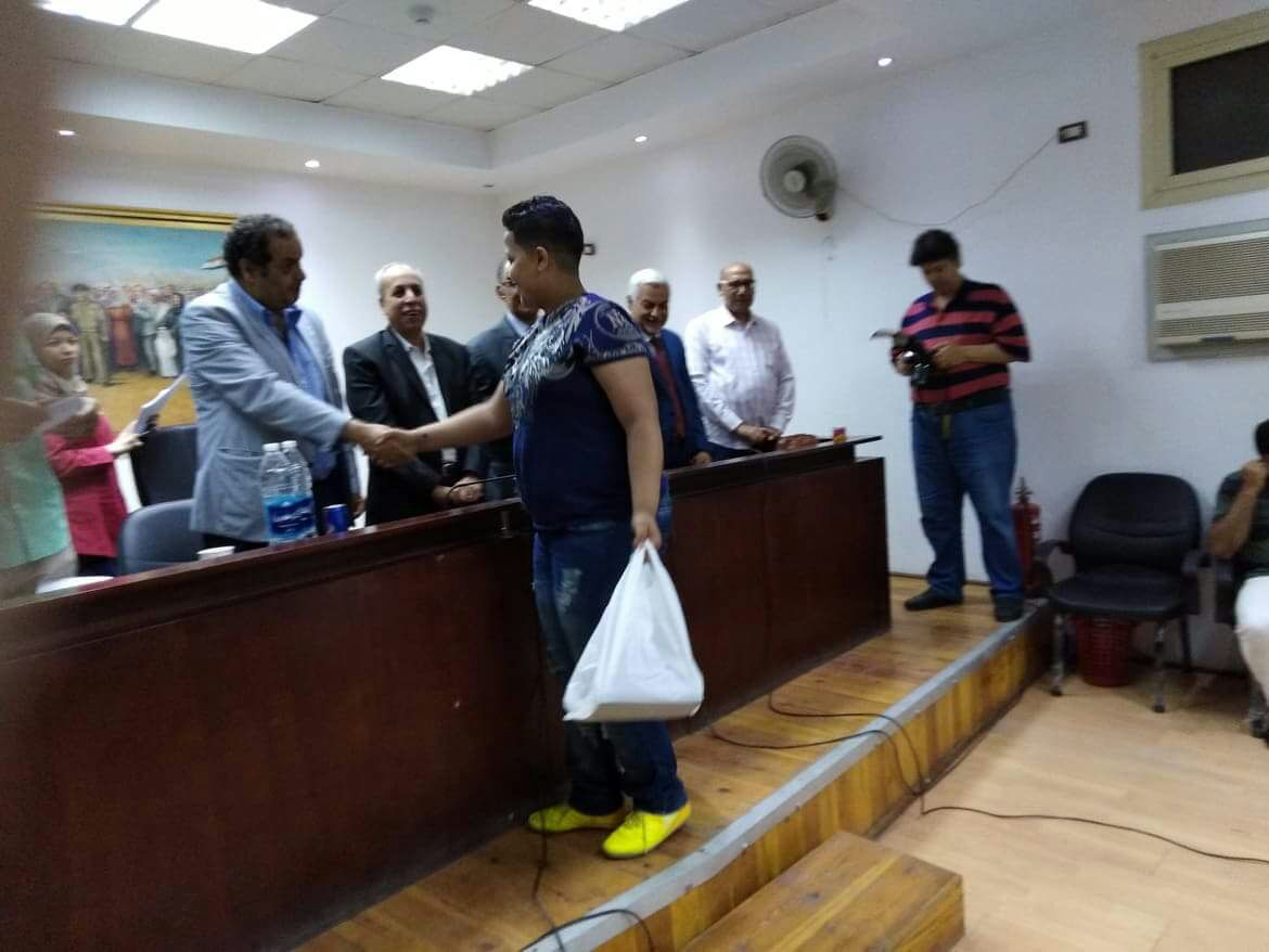 "Distributing The Rewards Of "" The Hero TDistributing The Rewards Of "" The Hero Tells Competition "" In Saad Eddin Wahba Hallells Competition "" In Saad Eddin Wahba Hall"